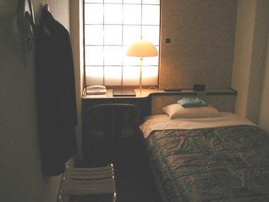 hotelroom.jpg